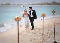 A-beach-wedding-in-the-Cayman-Islands