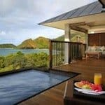 Plunge-pool-with-a-view