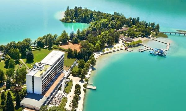 Gorgeous lakefront hotel in Austria