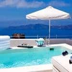 Superior-suite-at-Hotel-Grace-Santorini