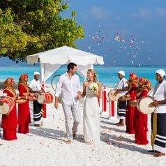 Best Honeymoon Destinations In September 2021 101 Honeymoons